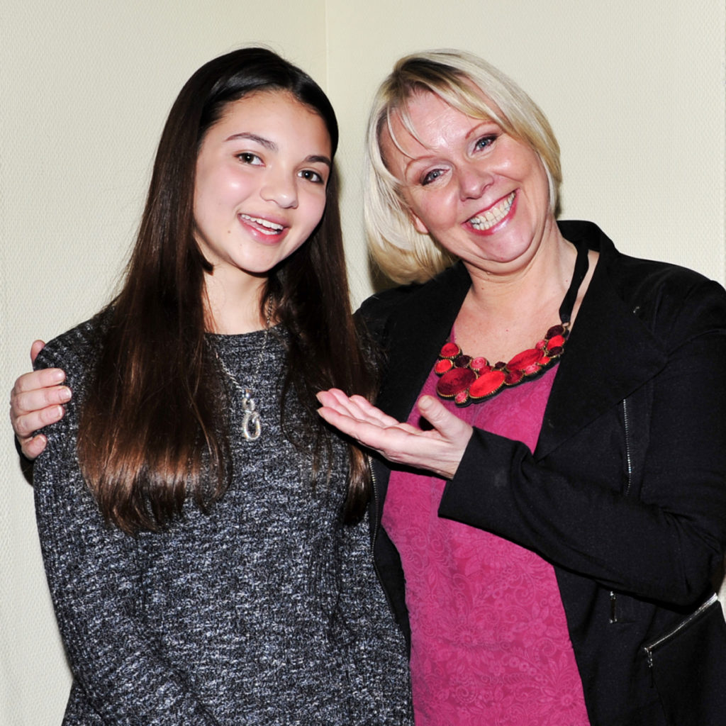 1.Kommende operastjerne? 14 år gamle Nora Strømme med et stort forbilde, verdensstjernen Solveig Kringlebotn.%0A